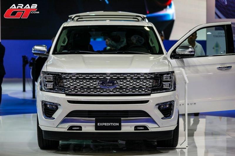 فورد تطلق 3 نجمات في معرض دبي الدولي للسيارات 2017