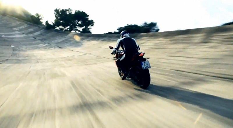 فيديو يستحق المشاهدة لدراجة بي ام دبليو S1000R طراز 2014