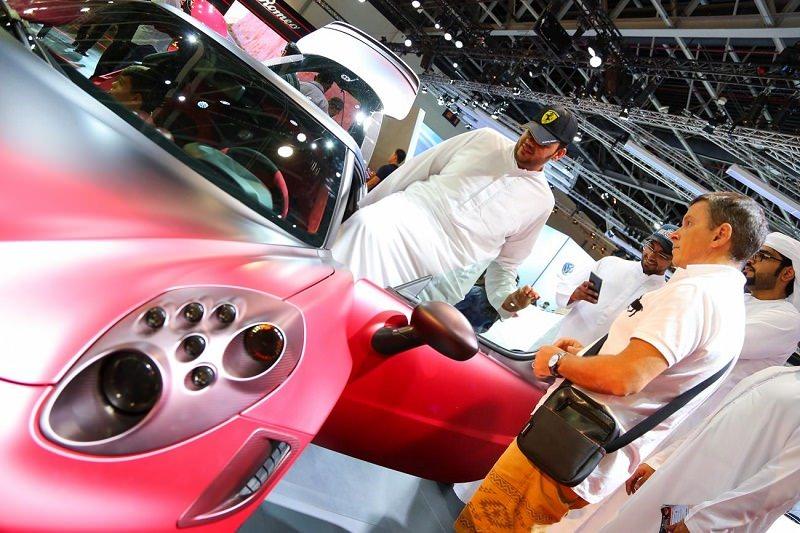 فريق عرب جي تي بانتظاركم في معرض دبي الدولي للسيارات 2017