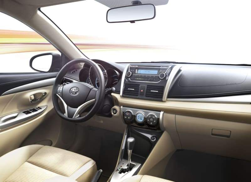 سيارات يارس 2016 من الداخل