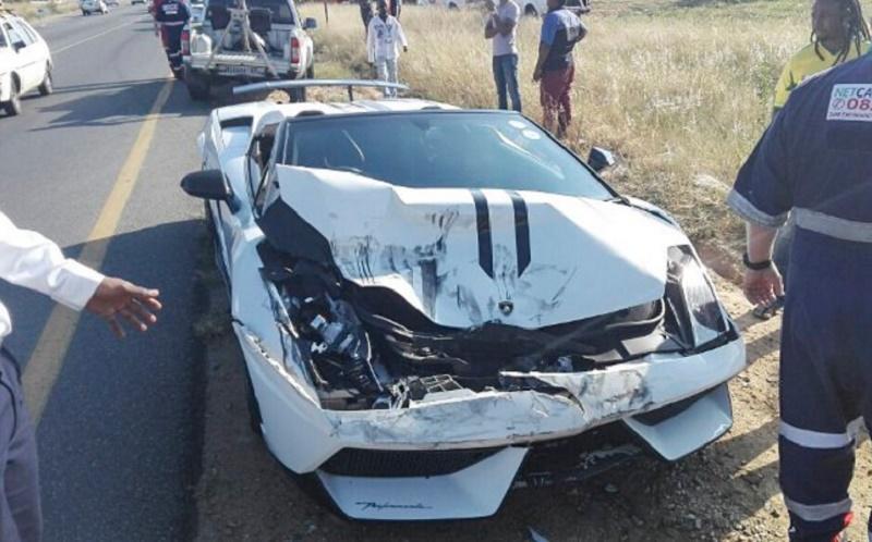 حادث تصادم بين لمبرجيني ومازدا