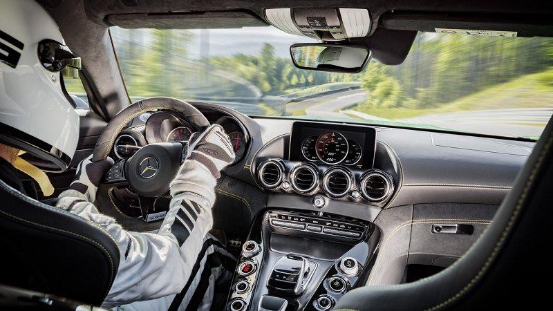 AMG GT R تكشف عن مقدار سرعتها على أصعب مضمار سباق