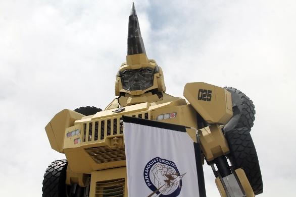 رجل آلي عملاق في معرض قوات العمليات الخاصة في الاردن13