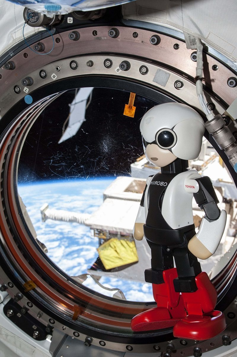 رجل تويوتا الآلي يسجل رقمين قياسيين بعد عودته من الفضاء