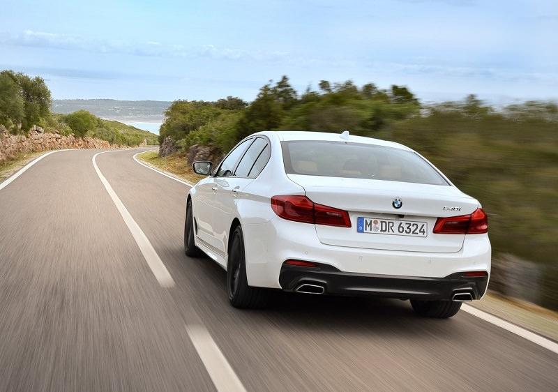 مواصفات BMW الفئة الخامسة 2017