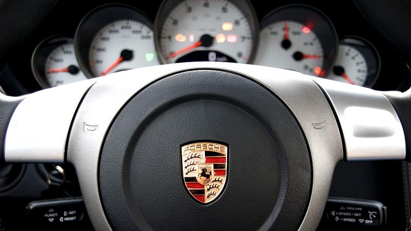 بورش تبيع اكثر من 200,000 سيارة في السنة للمرة الأولى على الإطلاق