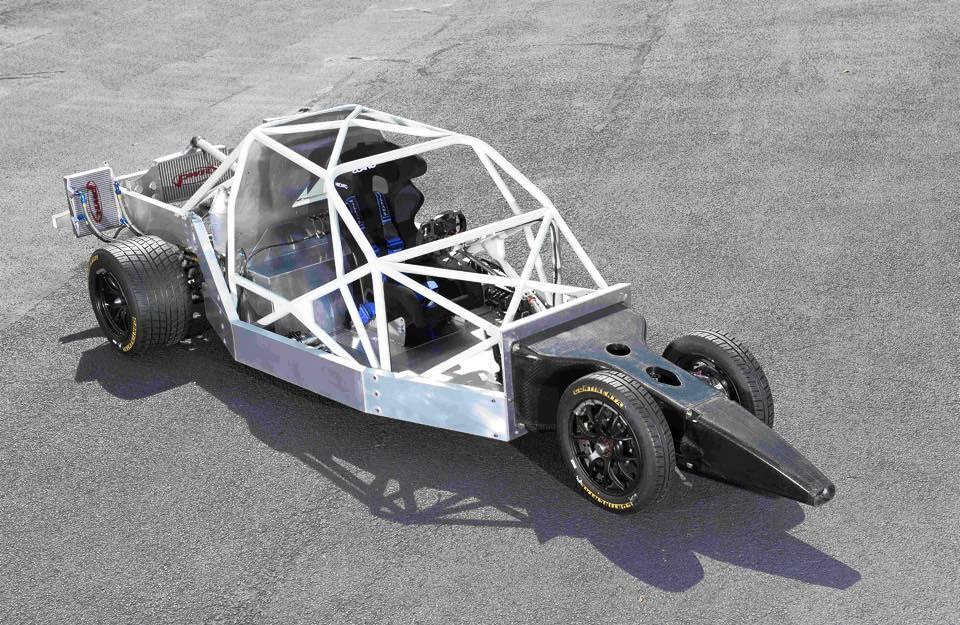 دلتا وينج تقدم تصميماً غريباً لسيارة رياضية جديدة