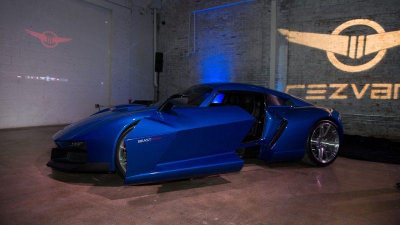 شاهد كيف ينفتح باب أجدد سيارة أمريكية رياضية