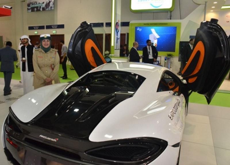 سيارة رياضية جديدة تنضم لشرطة دبي