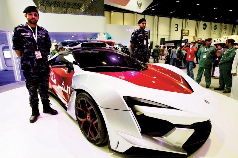 سيارة فارهة بسعر 6.5 مليون درهم تنضم لاسطول شرطة ابوظبي