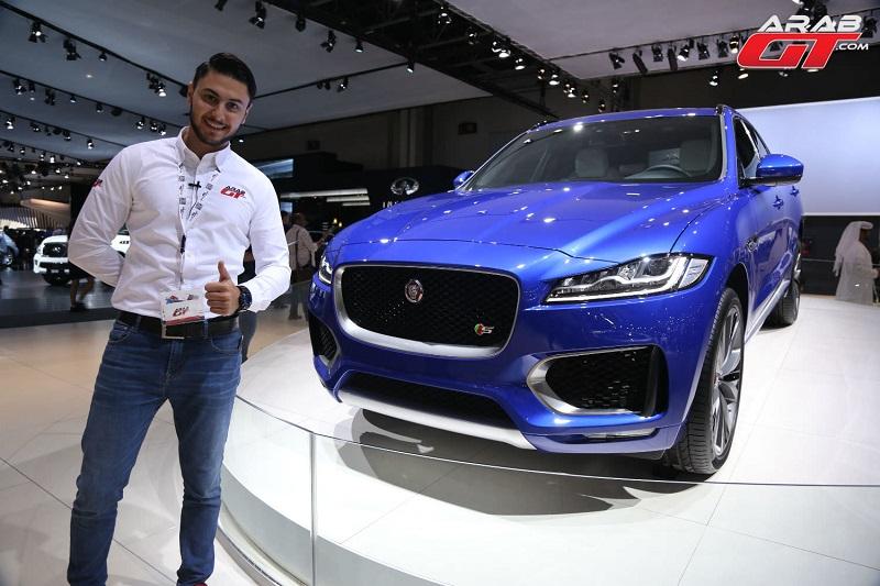 سيارات جاكوار ولاند روفر في معرض دبي للسيارات