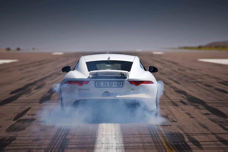 جاكوار اف تايب ار كوبيه أسرع سيارة في جنوب أفريقيا