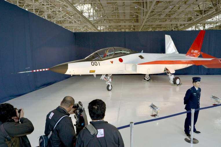 الكشف عن أول طائرة شبح يابانية