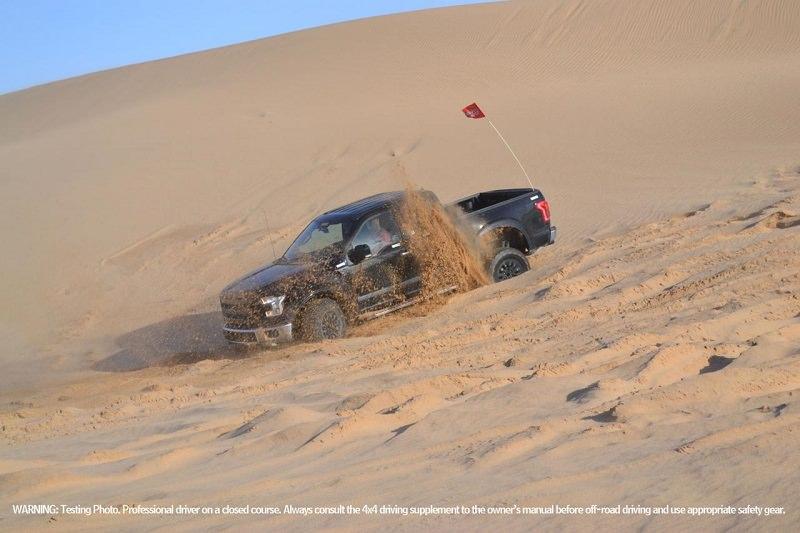 فورد رابتر 2017 تجري الاختبارات في الصحراء الأمريكية