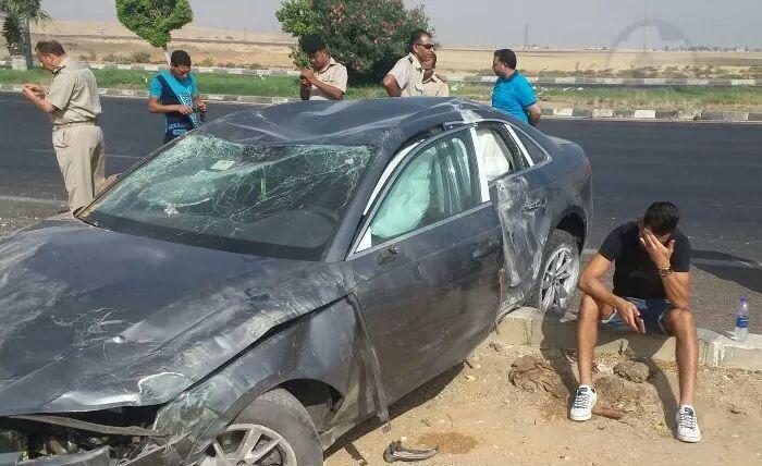 عمرو السولية لاعب الاهلي المصري يتعرض لحادث سير