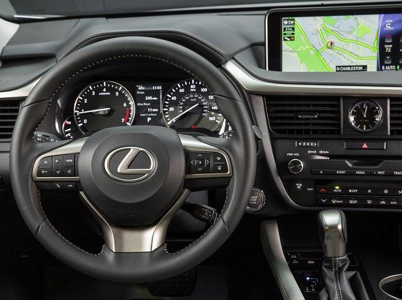 داخلية سيارة لكزس RX 2017