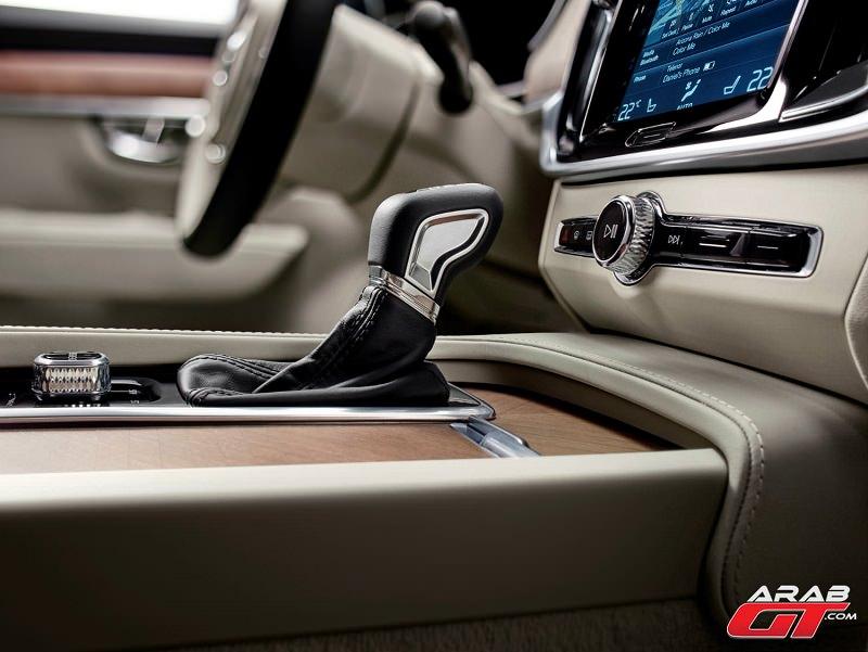 سيارات فولفو S90 2017
