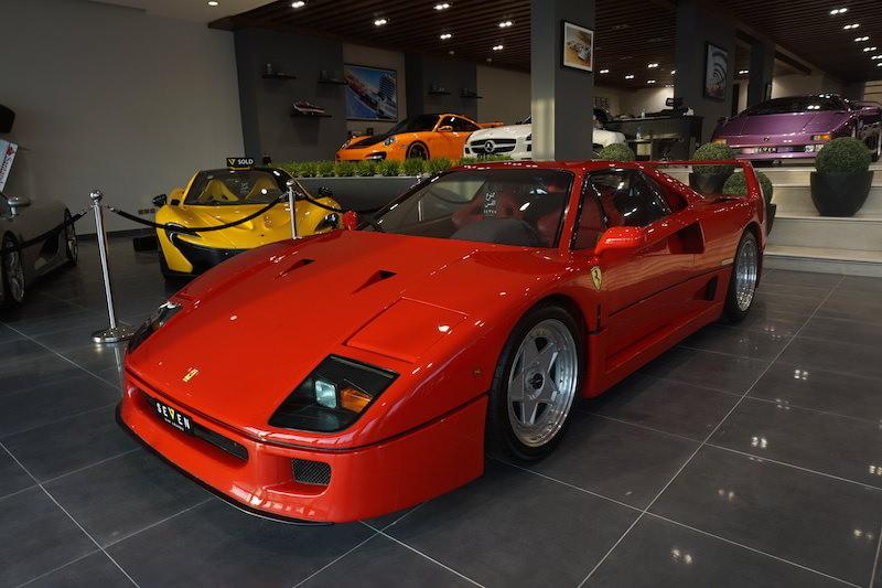 سيارة فيراري اف 40 للبيع في الرياض