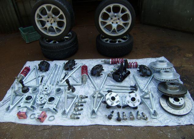 ماكلارين F1 مصنوعة من قطع الخردة