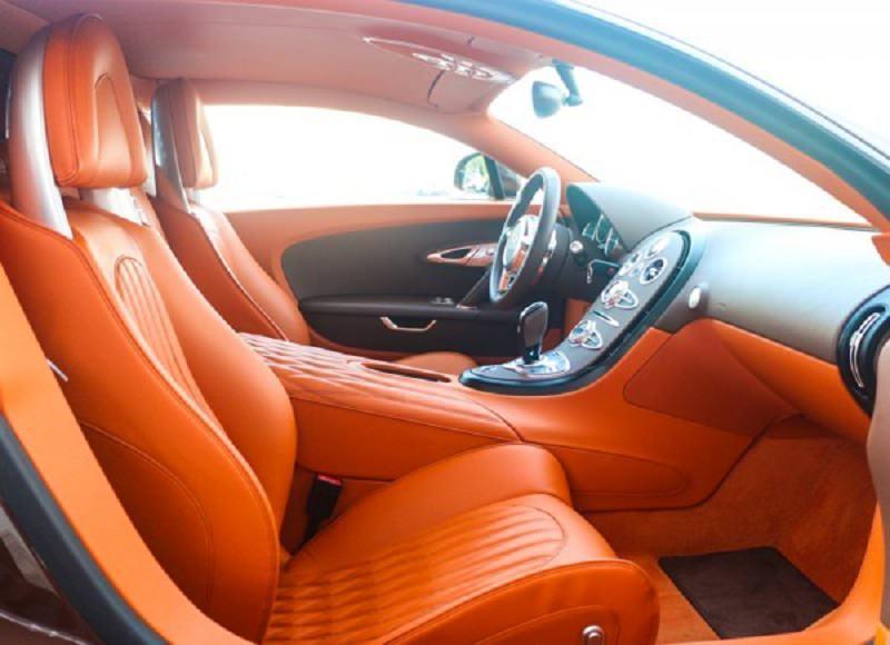 أسرع سيارة في العالم معروضة للبيع في دبي