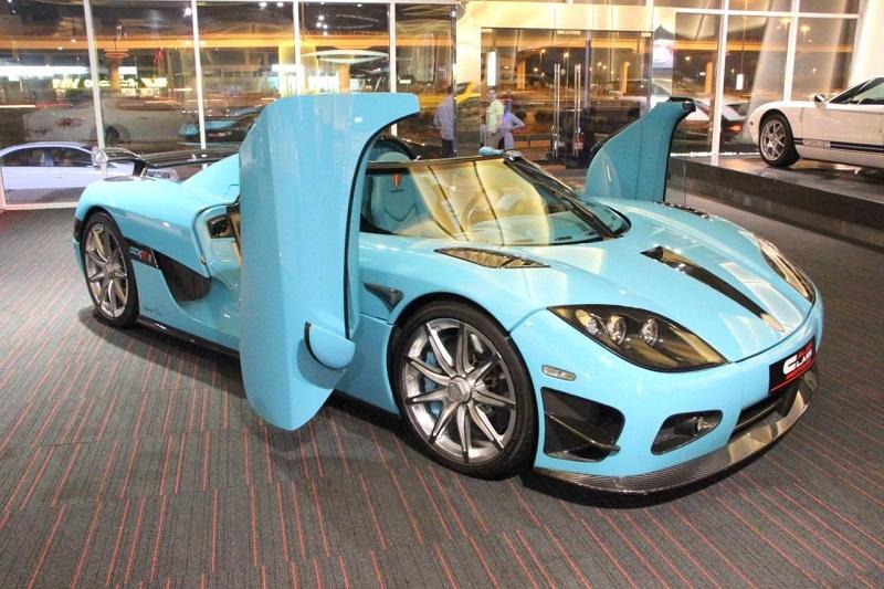 سيارة احد افراد العائلة المالكة في قطر معروضة للبيع في دبي