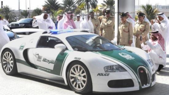 واخيرا بوغاتي فيرون تنضم الى اسطول شرطة دبي