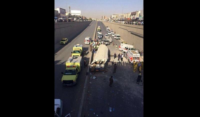 سقوط حافلة عن جسر في الرياض يتسبب بمقتل شخص وإصابة 60