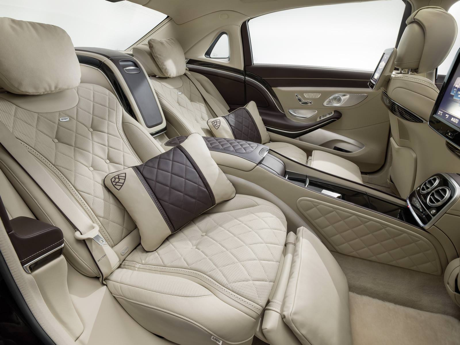 أما سعر مرسيدس مايباخ اس 600، التي ظهرت للمرة الأولى في العالم في معرض لوس أنجلوس للسيارات الشهر الماضي، سيبدأ من 234 ألف دولار أمريكي (878,330 ريال سعودي).