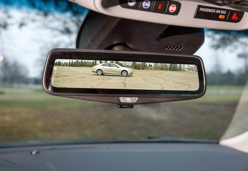 كاديلاك تكشف عن المرآة الرقمية التي ستمتلكها منافسة اس كلاس
