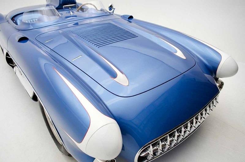 كورفيت موديل 1956 أغلى من أربع سيارات بوغاتي فيرون