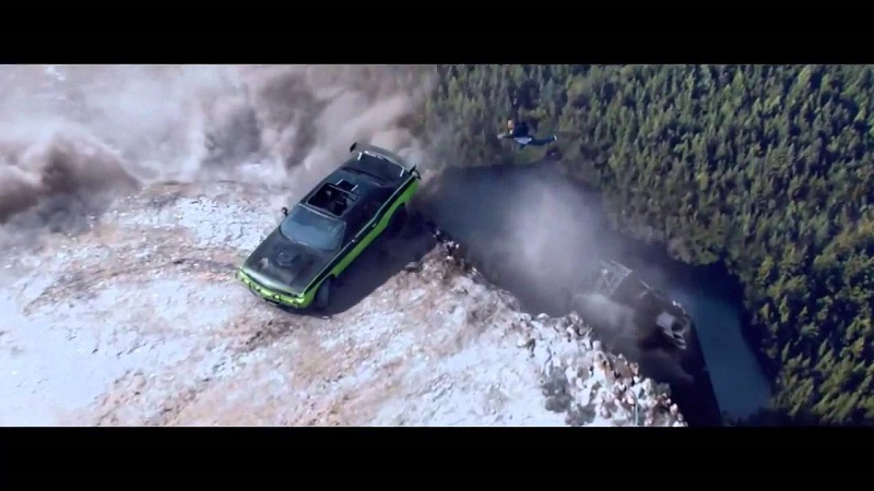 خلف كواليس قفز السيارات في فيلم فاست اند فيورس 7