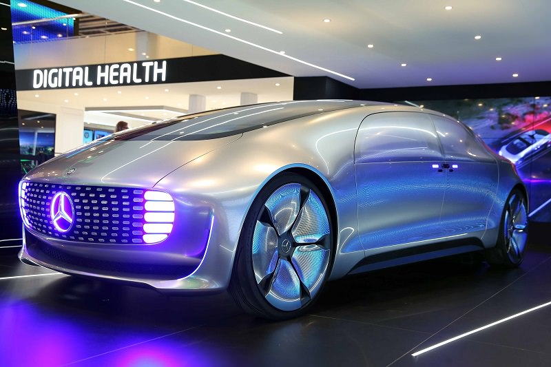 جيتكس يوثق ظهور أكثر سيارات مرسيدس تطوراً لأول مرة في منطقتنا