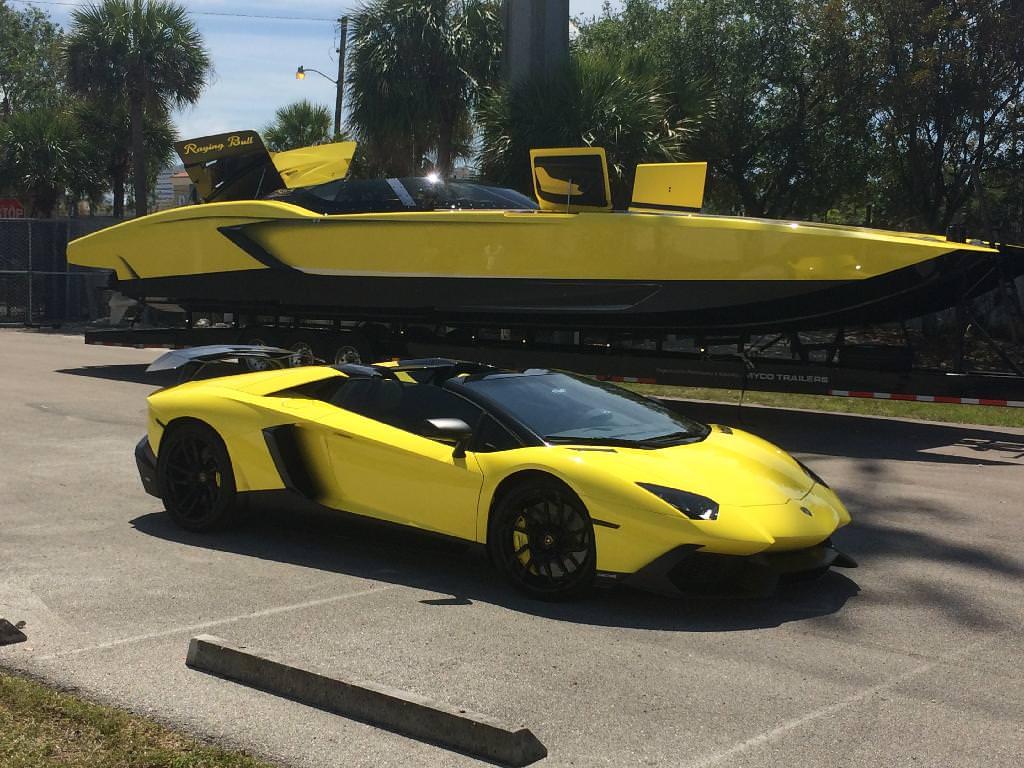 قارب لمبرجيني بسعر 1.3 مليون دولار يتحدى افينتادور