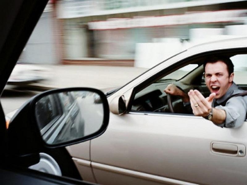 10 اخطاء تجعلك سائقا مزعجا