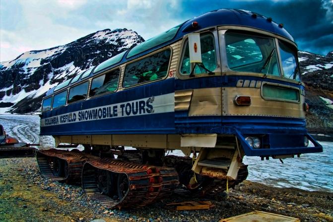 حافلات مجنزرة للبيع في كندا