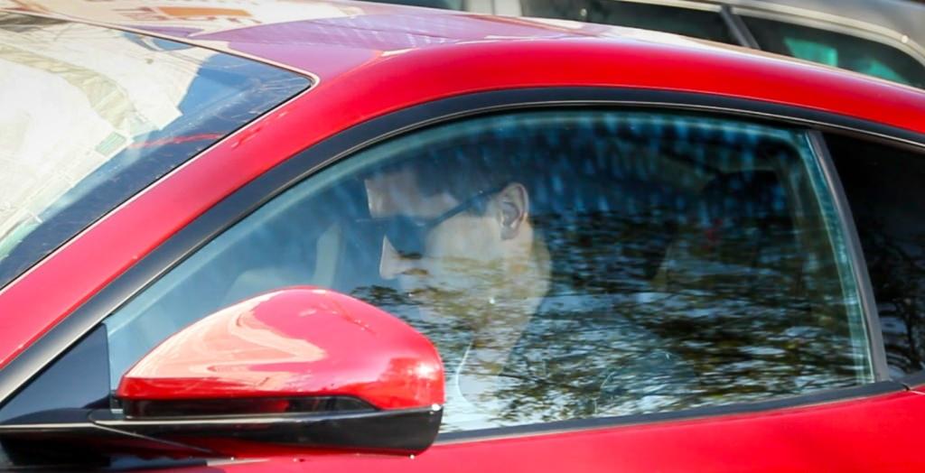 ليفاندوفسكي مهاجم بايرن ميونخ يشتري سيارة رياضية فائقة
