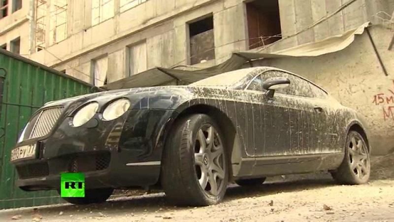 سائق بنتلي جي تي يجد مفاجأة لا تنسى على سيارته الباهظة