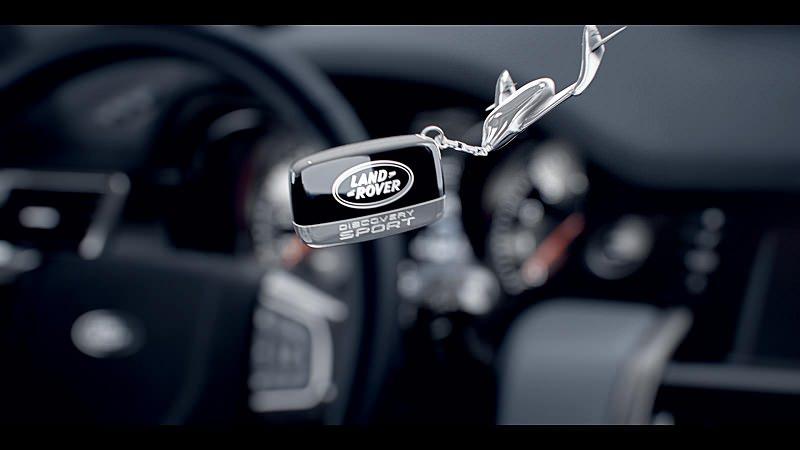فيديو يظهر تصميم سيارة لاند روفر ديسكفري سبورت من الداخل