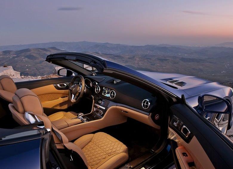 سيارة مرسيدس SL65 AMG من الداخل