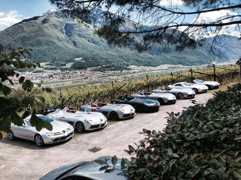 نتيجة تجمع سيارات مرسيدس SLR ماكلارين النادرة معا