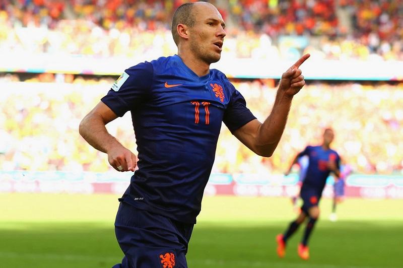 سيارات ارين روبن نجم هولندا في كأس العالم 2014