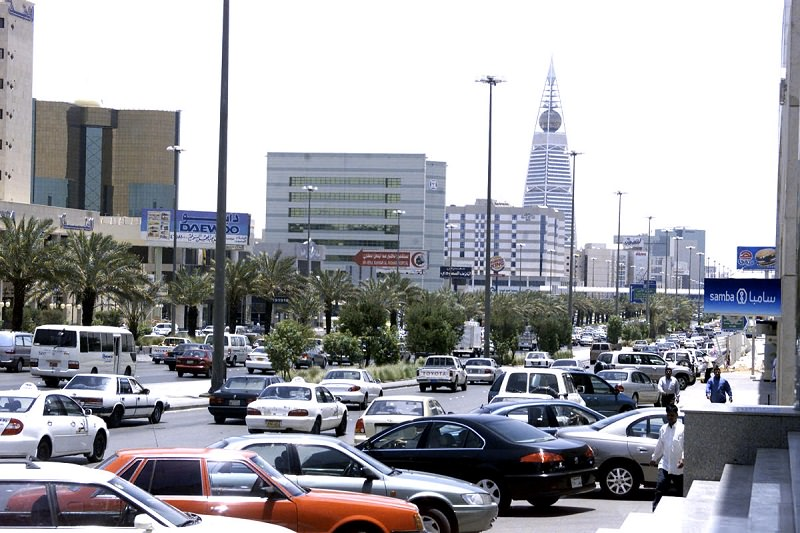 مبيعات السيارات في السعودية.jpg
