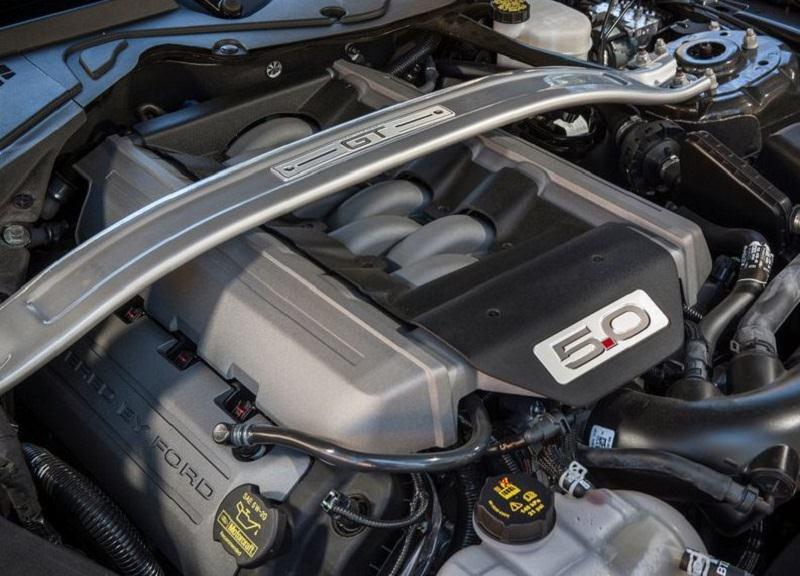 محرك فورد موستنج جي تي 2015 موتور.jpg