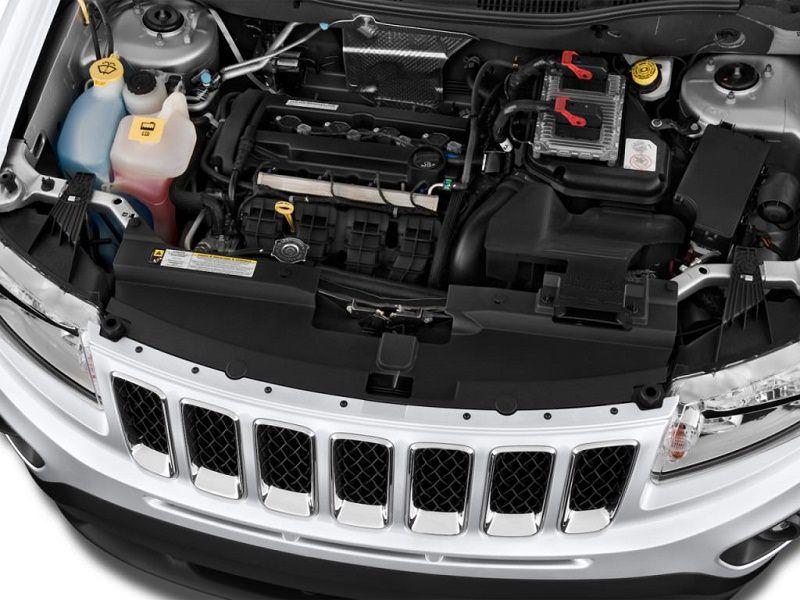 موتور جيب كومباس 2012.jpg