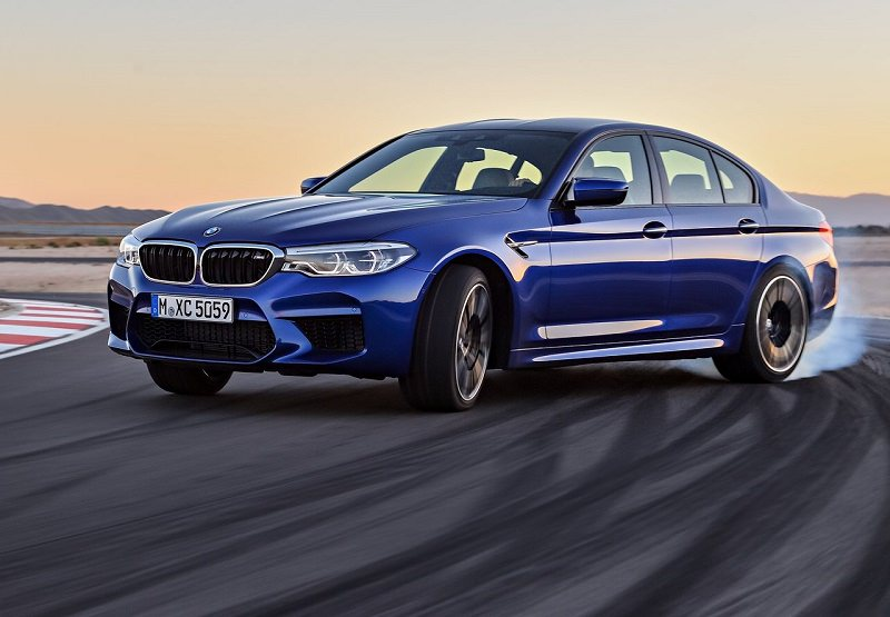 BMW M5 2018.jpg
