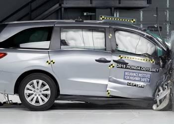 اختبار تصادم هوندا اوديسي 2018 Honda Odyssey