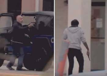 تبادل اطلاق نار بين سائقين بعد حادث بينهما - فيديو