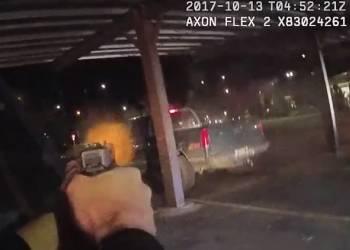 شاهد اطلاق رصاص بين الشرطة وسائق مسلح