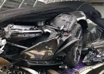 تحطم مكلارين P1 في حادث أثناء نقلها