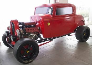 فورد كلاسيكية بمحرك فيراري بقوة 950 حصان